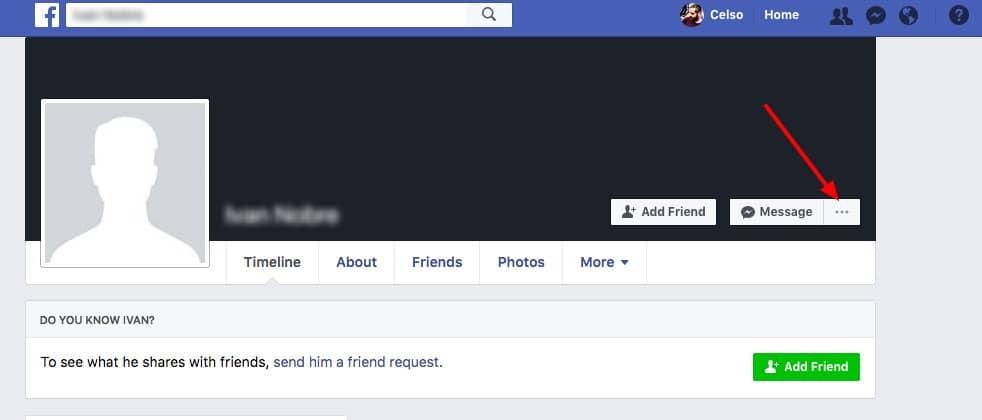 tela do Facebook com conta falsa / fake account
